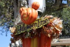 Halloweentime Travel at Theme Parks